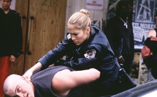 Фильм где полицейский влюбился в девушку 172