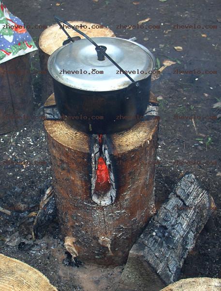 Как разжечь костер из одного полена