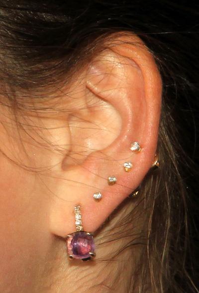 Как можно сделать дырки в ушах