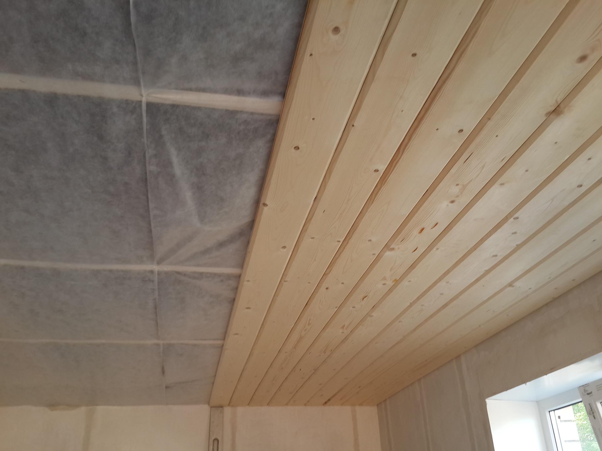 Как сделать потолок в квартире из бруса