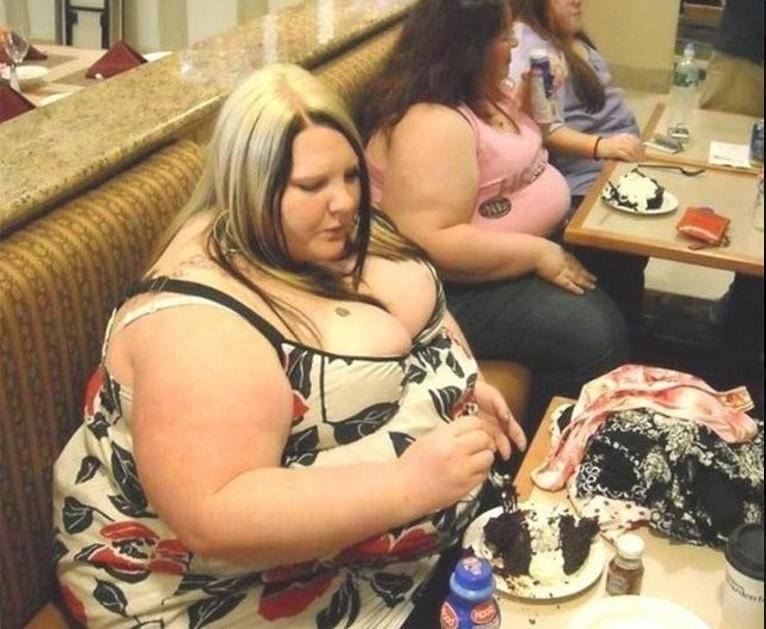 Фото толстых девушек без лица в домашних условиях
