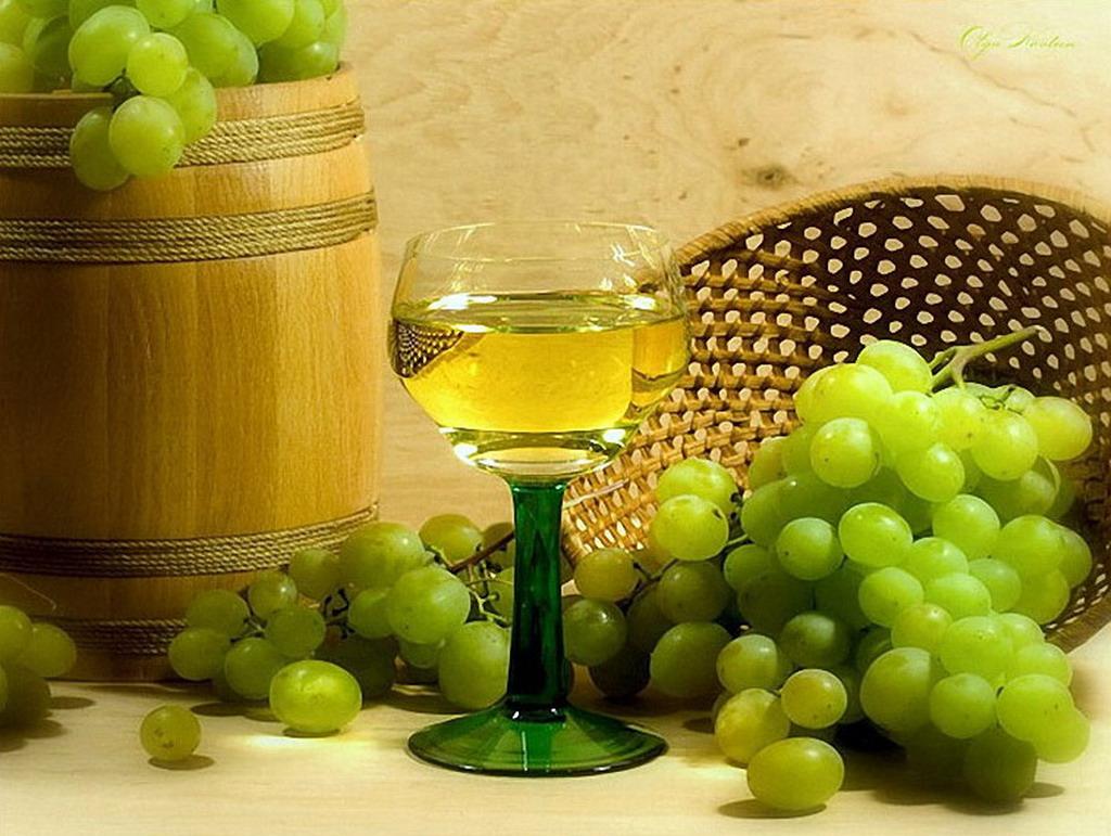 Как сделать вино из зелёного винограда в домашних условиях
