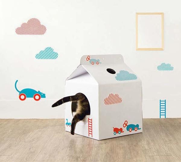 Простой домик для кошки из коробки