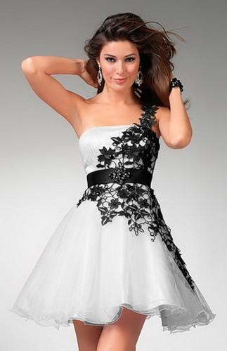 Купить платье на корсете с пышной юбкой
