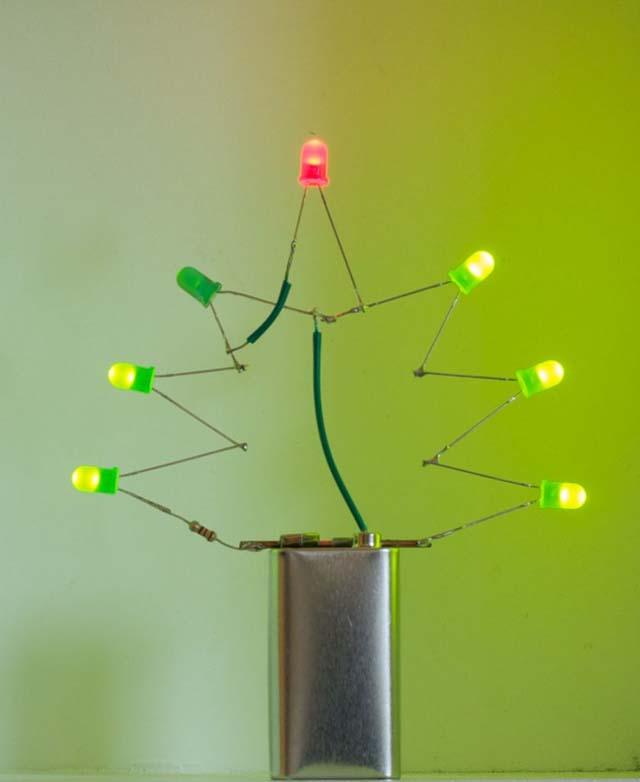 Новогодние поделки из светодиодов