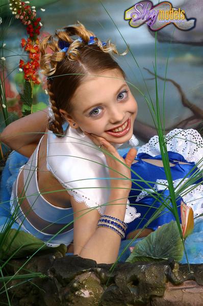 lulu hutt ru   hot girls wallpaper