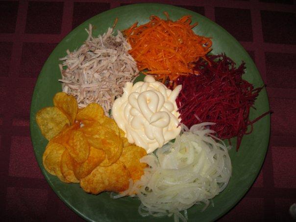 Салат ромашка рецепт с чипсами и капустой 151