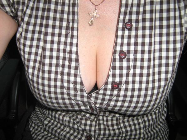 Почему красивую грудь невозможно скрыть? . Где-нигде, но сама обязательно