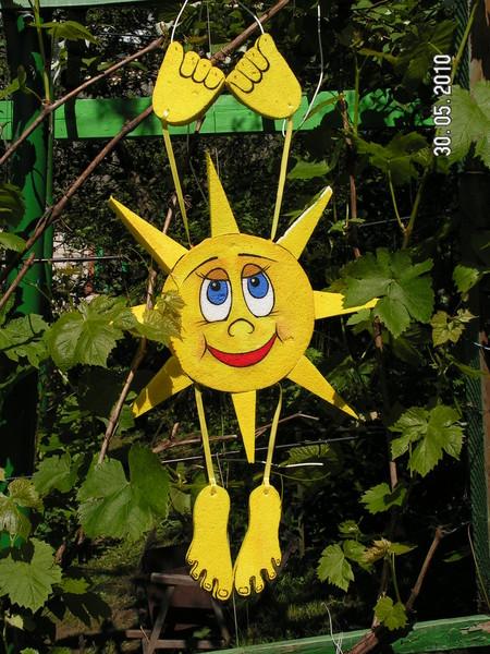 Поделки для сада  солнышко