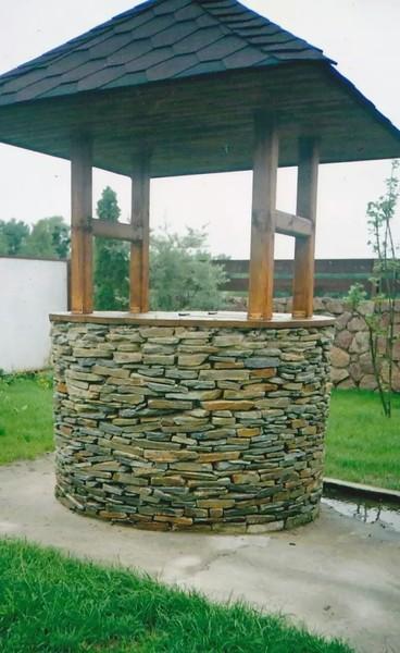 Как отделать колодец камнем