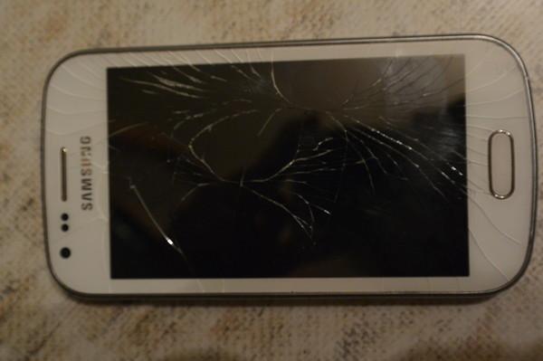 Что делать если разбился экран мтс