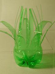Как сделать из пластмассовой бутылки вазу с цветами