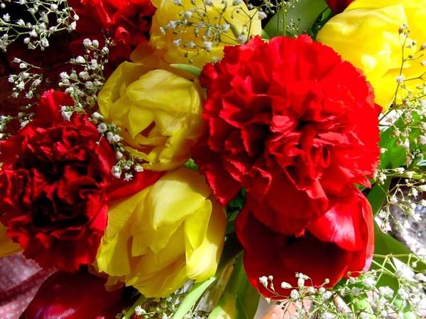 обои на рабочий стол букеты розы герберы лилии гвоздики № 172256 бесплатно