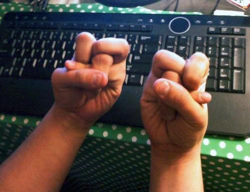 Как пальцами сделать квадрат из