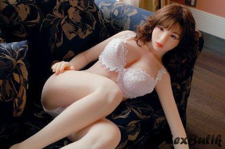 Glamour sex doll Savannah Secret goes hardcore threesome and gets face fucked № 244432 бесплатно