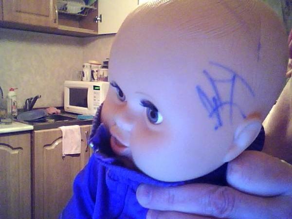 Отмыть фломастер от куклы