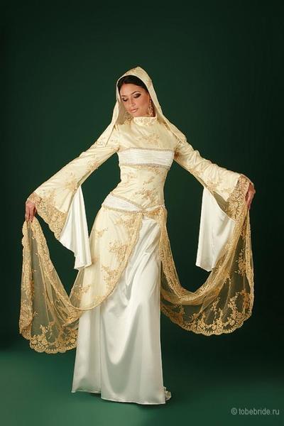 Фото горянки в национальном платье