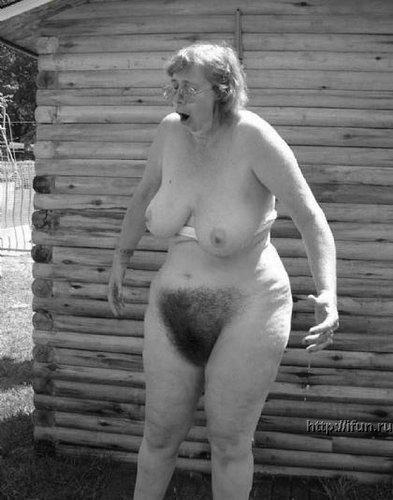 golie-starie-babi-i-muzhiki