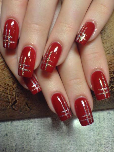 Маникюр на красных ногтях фото