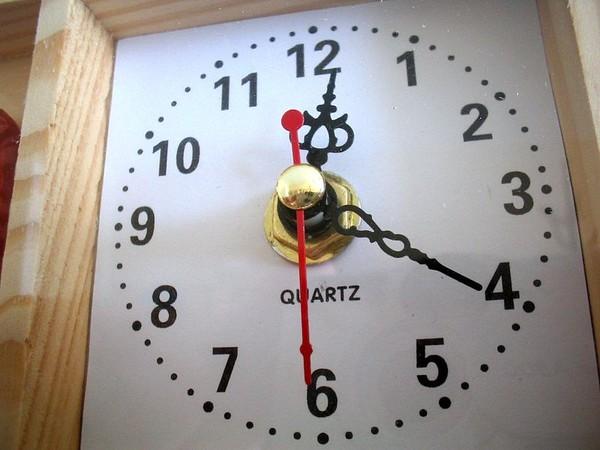 кварцевые часы это как структурой, которой как