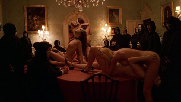 maska-eroticheskiy-film