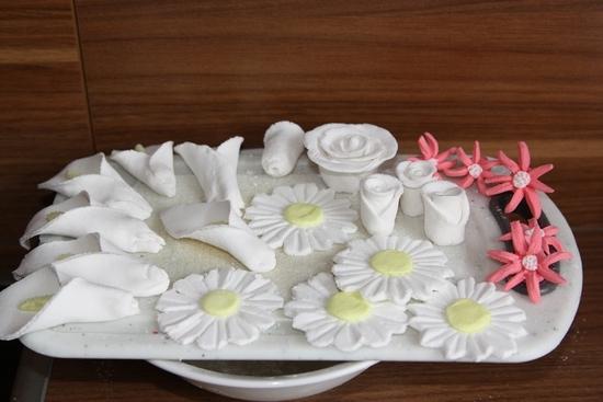 Как сделать съедобные цветы из мастики