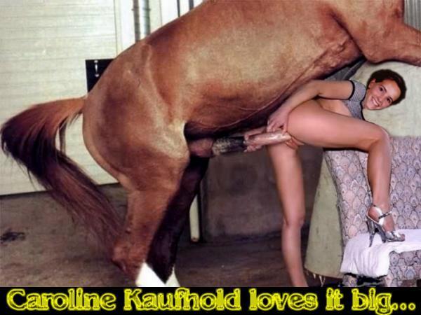 Коня трахает телку видео онлайн