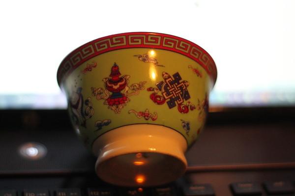 Пить чай из пиалы