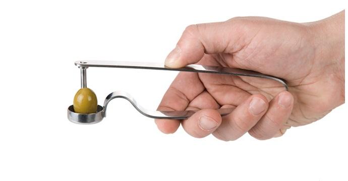 Приспособление для удаления косточек из вишен своими руками