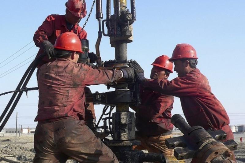 Казахстан начал экспорт нефти с одного из крупнейших месторождений нефти в мире