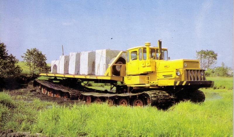 Данный мод добавит к-700а кировец - гусеничный трактор