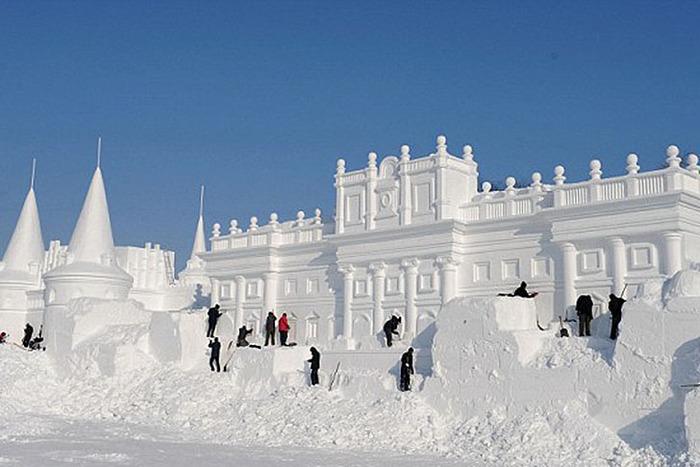 Замок из снега