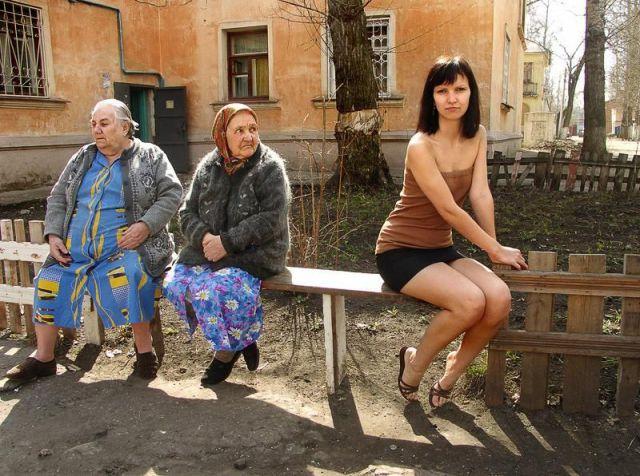 Пошлая блондинка приехала в гости в деревню  17543