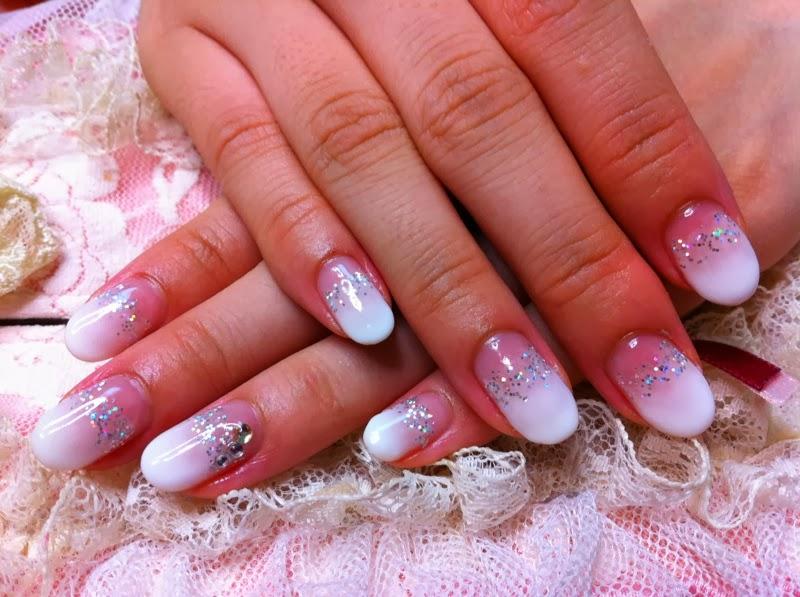 Дизайн овальных нарощенных ногтей