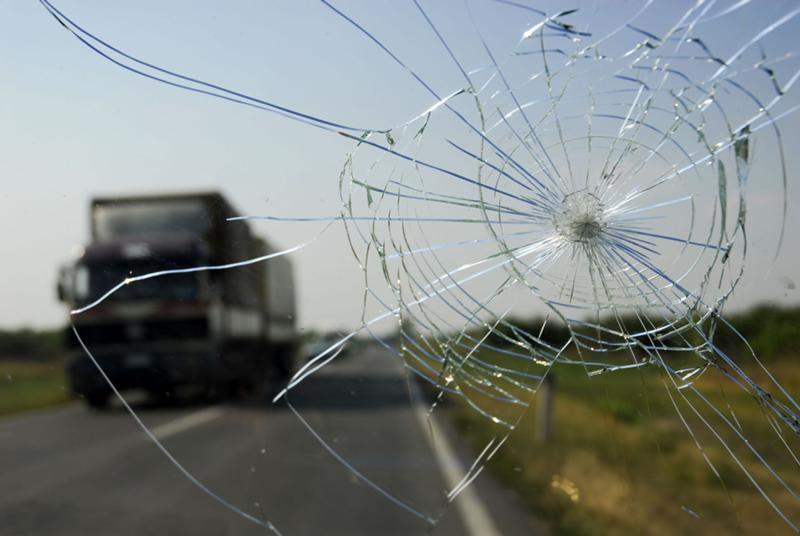 Лобовое стекло ремонт сколов трещин своими руками