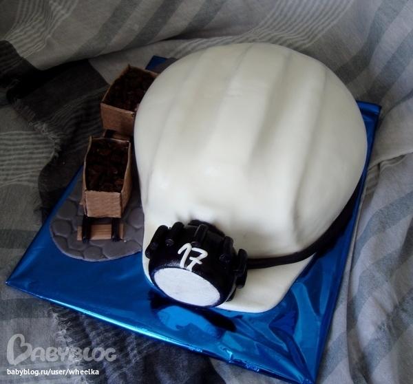 фото тортов каска время земельных работ