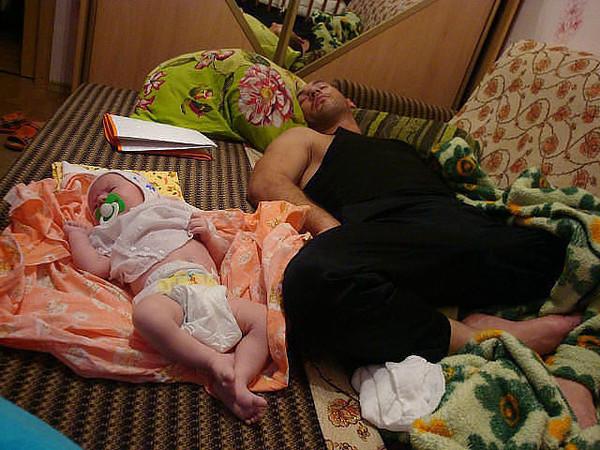 фото где сын спит с мамой