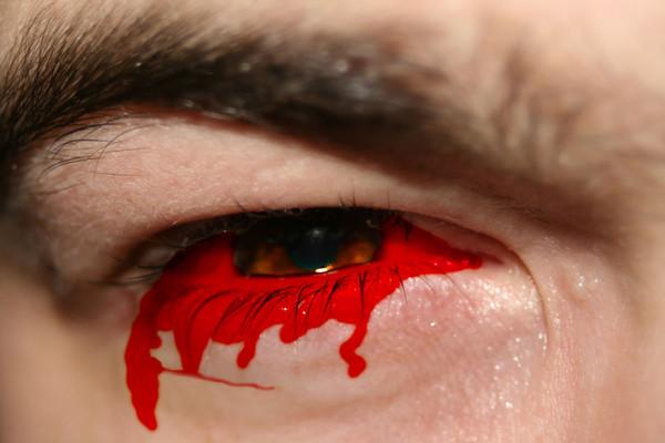 картинка парень с кровавой слезой тымовске полного путь