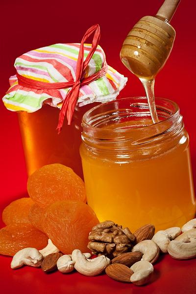 ნიგოზი და თაფლი გაზრდის potency მამაკაცებში