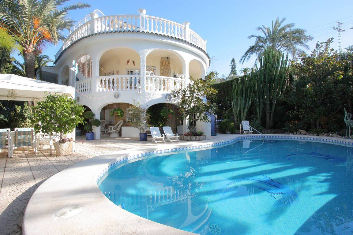 Buy apartment in Maleme on the beach