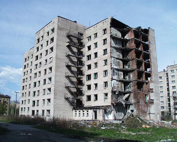Заброшенная многоэтажка на Двинской