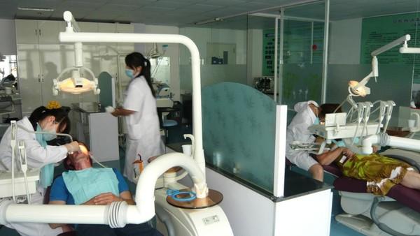 Лечение и протезирование зубов в хуньчуне