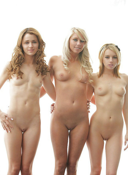 молодые голые фото онлайн