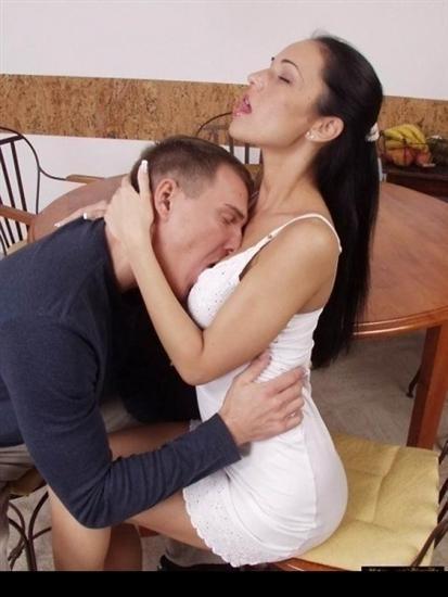 Женатая ищет секс