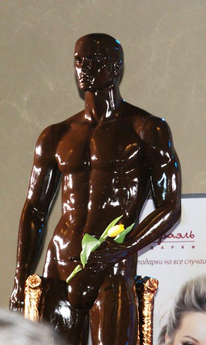 жопа обмазанная шоколадом человек трахает
