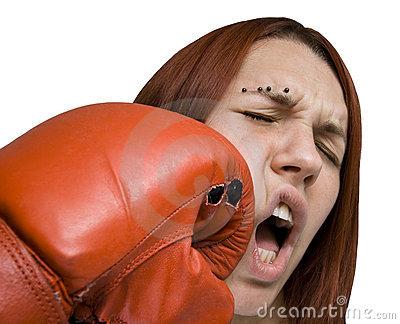Нравится ли девушкам бить по яйцам фото 18-662