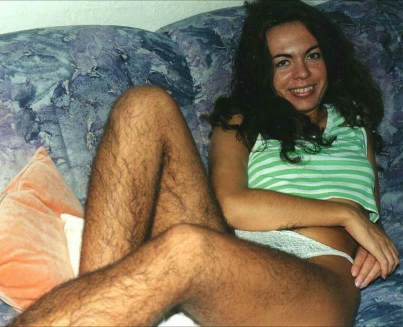 Частное фото девушек ню с волосатой пиздой