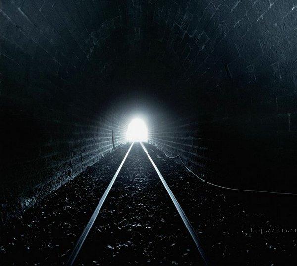 Если во сне вы видите, как на ваших глазах оседает свод туннеля - это предвещает неудачи, коварство ваших недругов.
