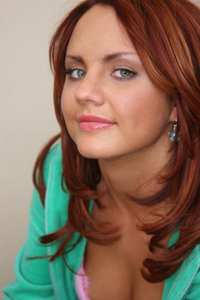 Максим цвет волос