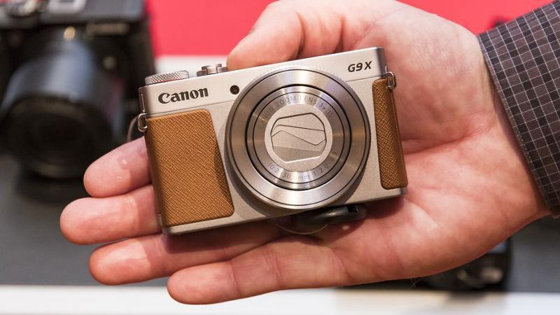 самая лучшая компактная фотокамера городе